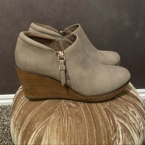 dr scholl's create wedge bootie grey size 7.5